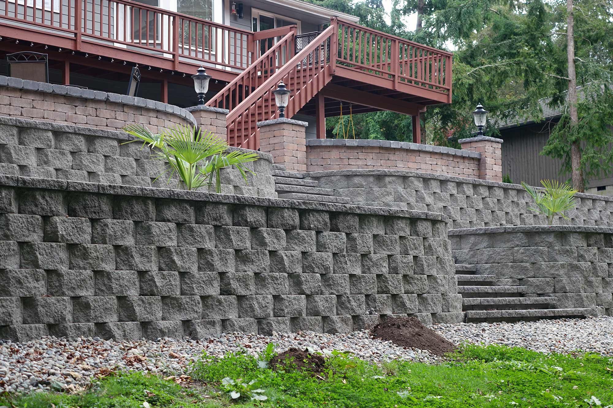 Retaining wall with matching manor stone staircase